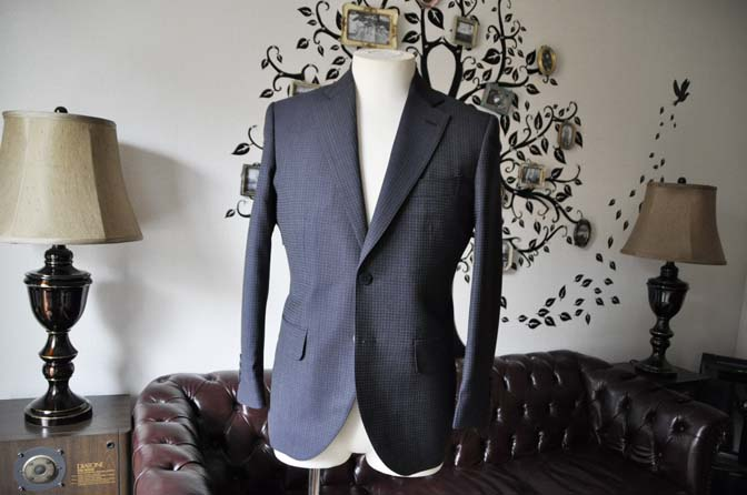 DSC0101-2 お客様のスーツの紹介-Biellesiネイビーグレースーツ-