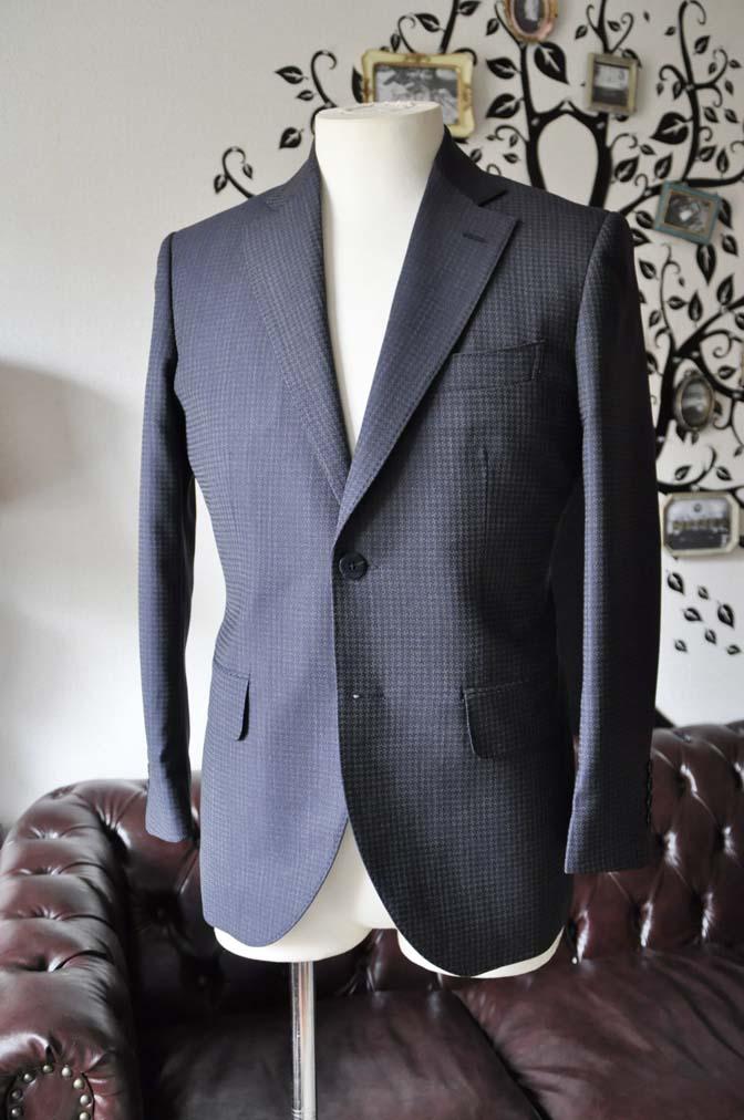 DSC0103-1 お客様のスーツの紹介-Biellesiネイビーグレースーツ-