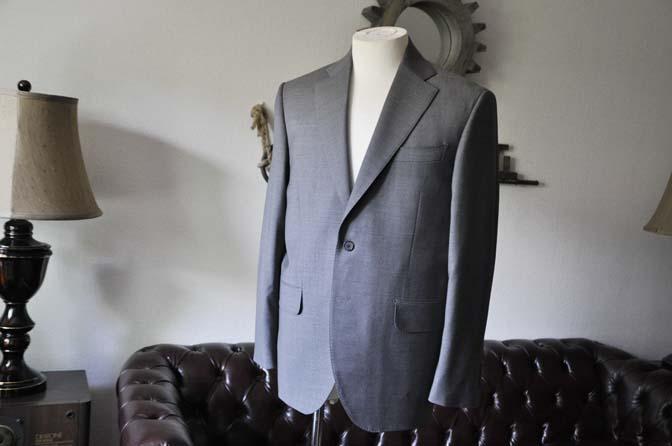 DSC0104-1 お客様のスーツの紹介- Biellesi 無地グレースーツ-