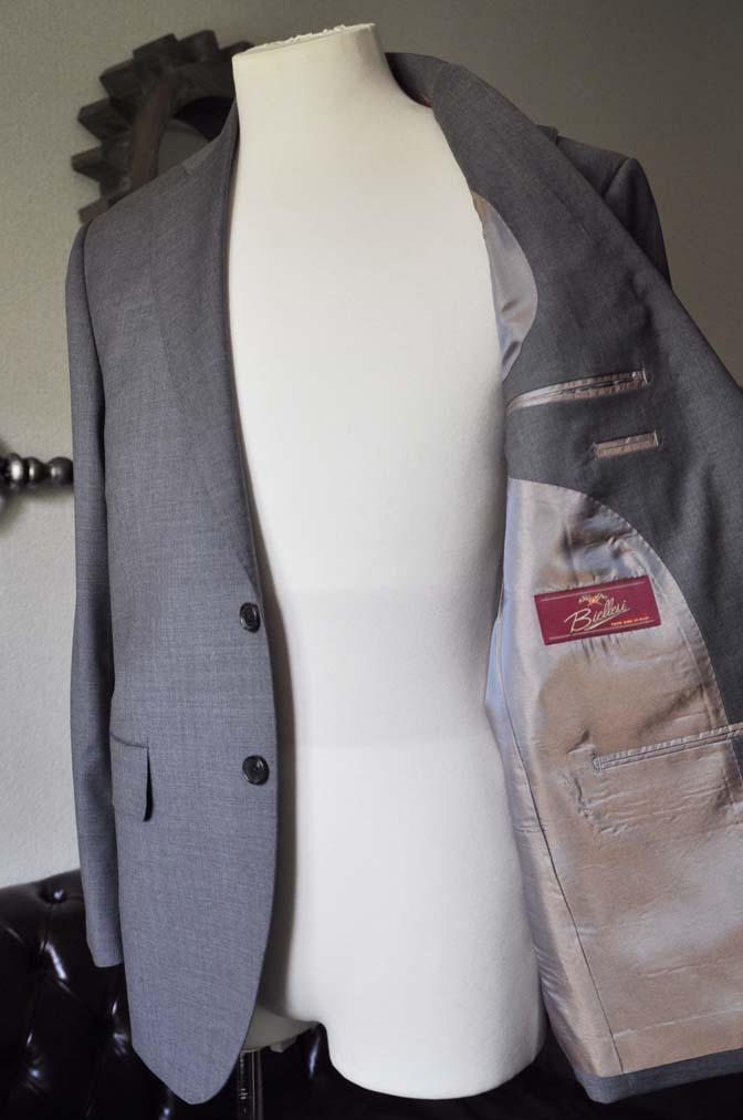 DSC0106-1 お客様のスーツの紹介- Biellesi 無地グレースーツ-