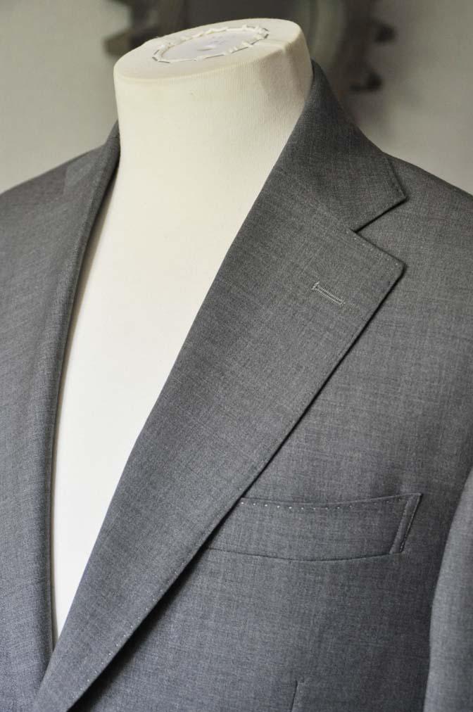 DSC0109-1 お客様のスーツの紹介- Biellesi 無地グレースーツ-