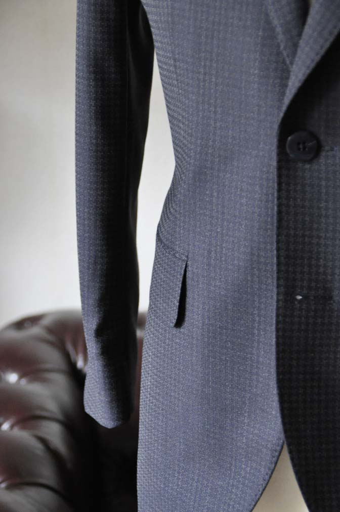 DSC0109-2 お客様のスーツの紹介-Biellesiネイビーグレースーツ-