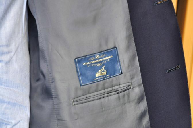 DSC0109 オーダースーツの紹介-CANONICO SUPER SONIC無地ネイビースーツ-