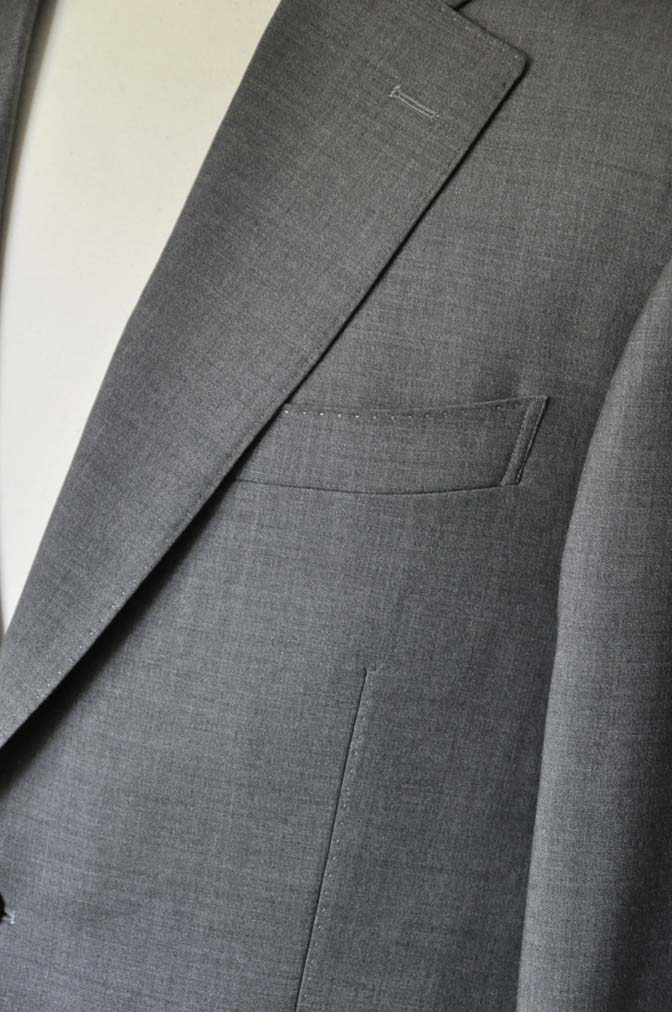 DSC0111-1 お客様のスーツの紹介- Biellesi 無地グレースーツ-