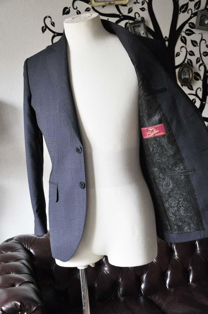 DSC0111-3 お客様のスーツの紹介-Biellesiネイビーグレースーツ-