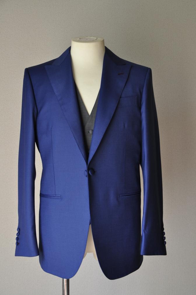 DSC01141 お客様のウエディング衣装の紹介- DORMEUIL  AMADEUSネイビーストライプスーツ グレーバーズアイベスト-