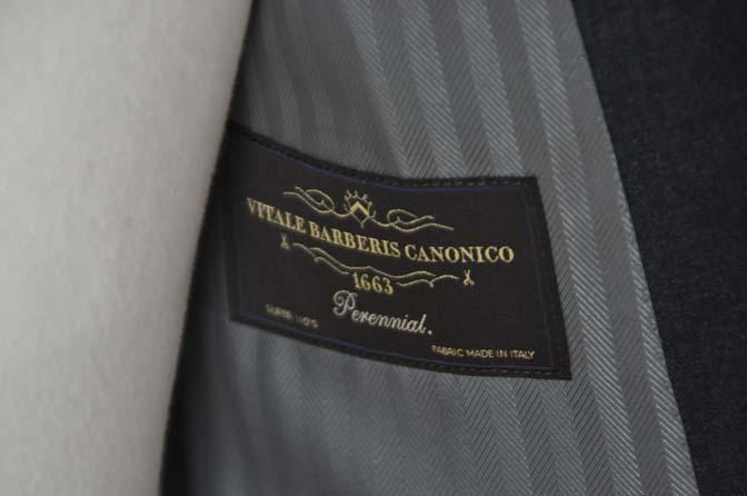 DSC01152 お客様のスーツの紹介-CANONICO 無地チャコールグレースーツ-