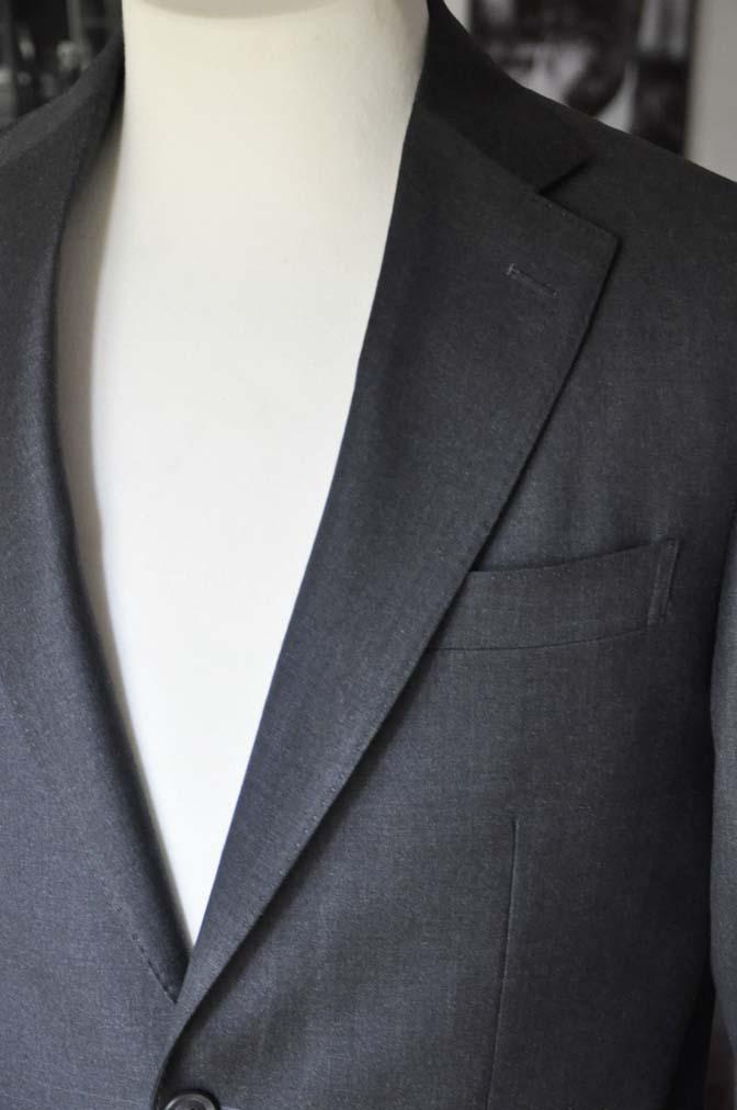 DSC01171 お客様のスーツの紹介-CANONICO 無地チャコールグレースーツ-