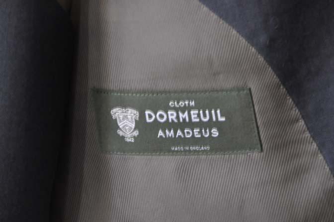 DSC0119-1 お客様のスーツの紹介- DOEMEUIL AMADEUS 無地ネイビースリーピーススーツ-