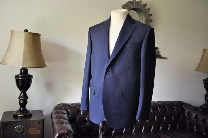 DSC0119-2 お客様のスーツの紹介- Canonico 無地ネイビースーツ-