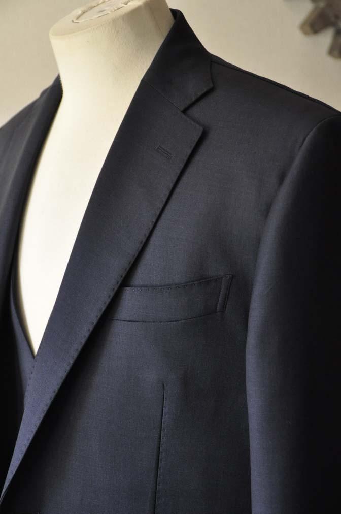 DSC0120-1 お客様のスーツの紹介- DOEMEUIL AMADEUS 無地ネイビースリーピーススーツ-