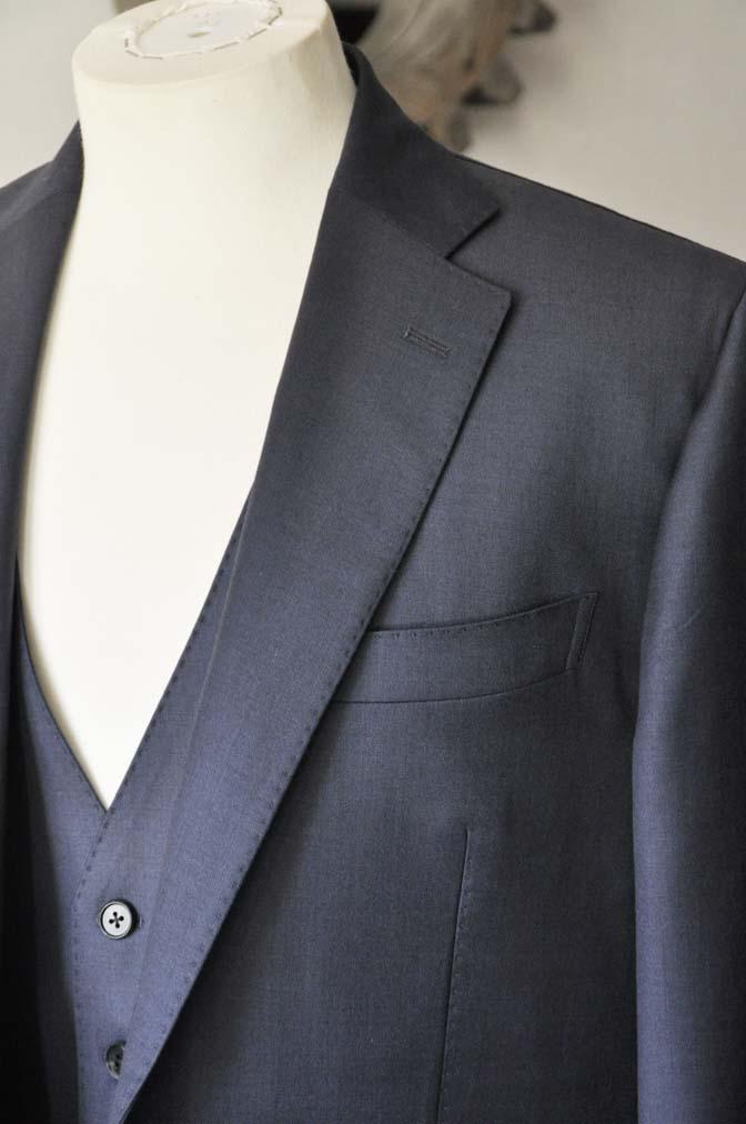 DSC0122-1 お客様のスーツの紹介- DOEMEUIL AMADEUS 無地ネイビースリーピーススーツ-
