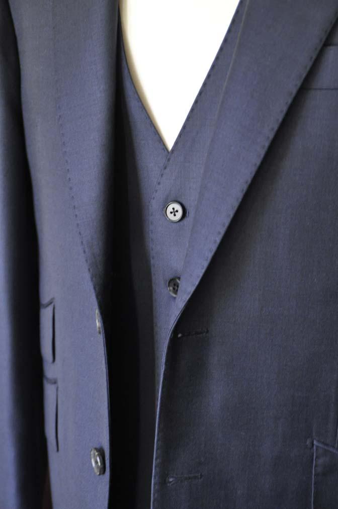 DSC0124-1 お客様のスーツの紹介- DOEMEUIL AMADEUS 無地ネイビースリーピーススーツ-