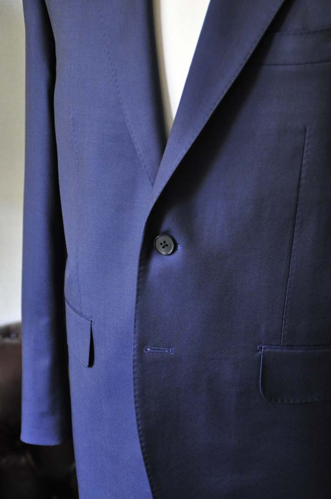 DSC0124-2 お客様のスーツの紹介- Canonico 無地ネイビースーツ-