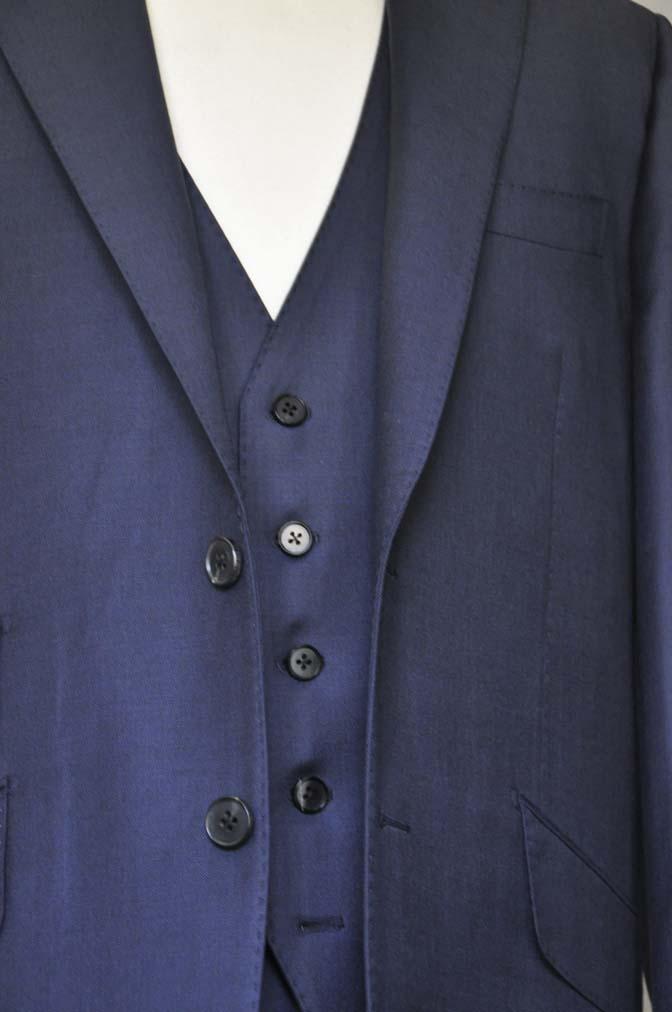 DSC0126-1 お客様のスーツの紹介- DOEMEUIL AMADEUS 無地ネイビースリーピーススーツ-