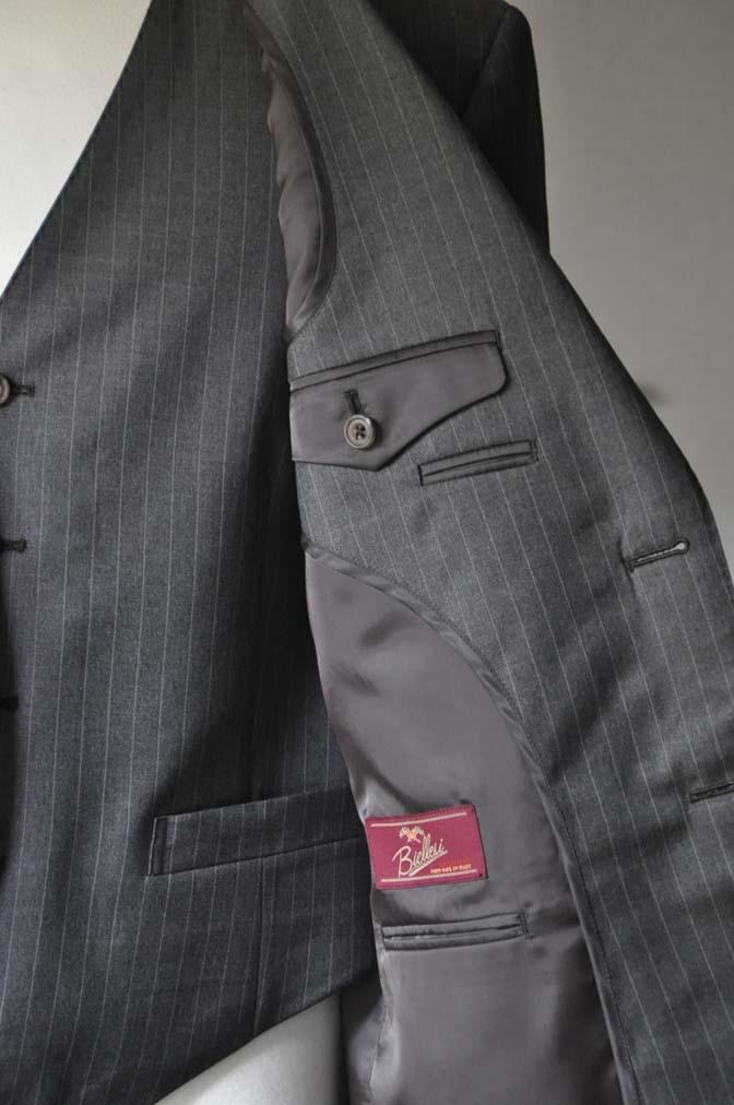 DSC0126-2 お客様のスーツの紹介- Biellesi グレーストライプスリーピース-