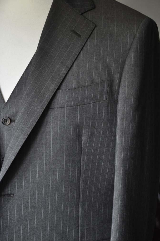DSC0129-3 お客様のスーツの紹介- Biellesi グレーストライプスリーピース-