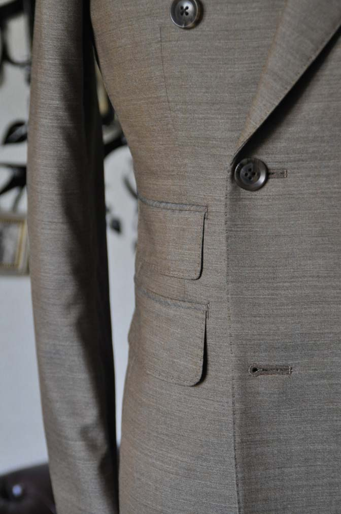 DSC0130-2 お客様のスーツの紹介- 御幸毛織 無地ブラウンダブルスーツ-