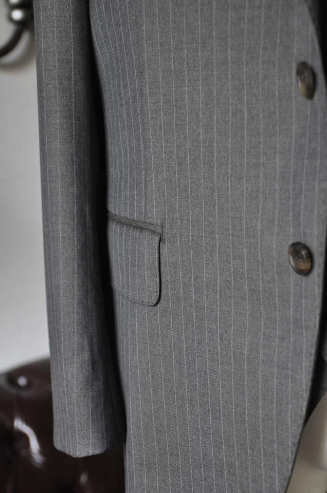 DSC0131-1 お客様のスーツの紹介- Biellesi グレーストライプスリーピース-