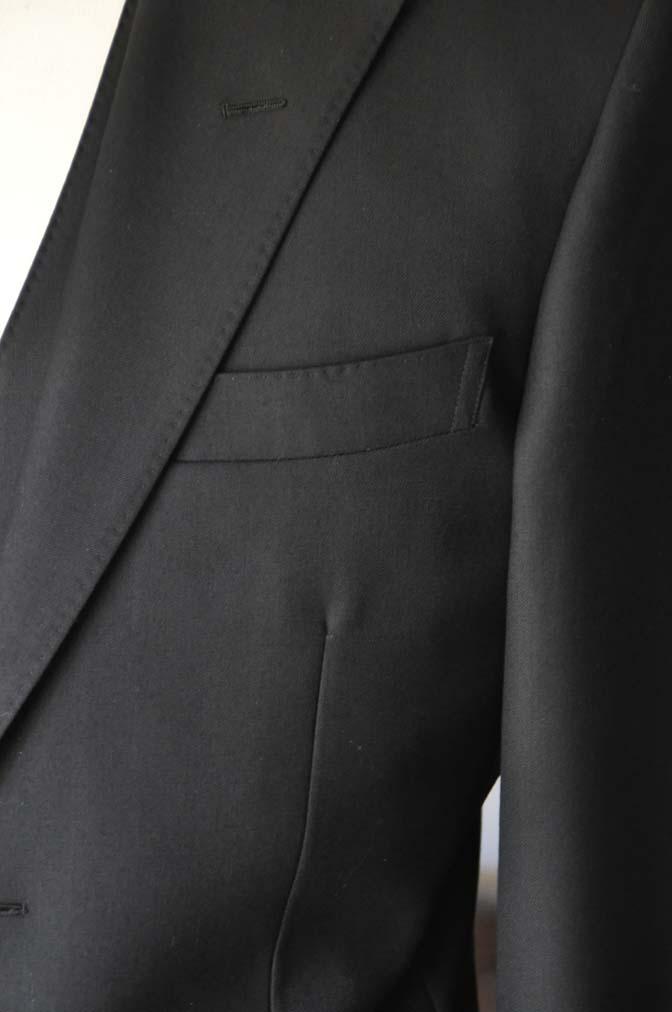 DSC01312 お客様のスーツの紹介- 無地ブラックスリーピーススーツ-