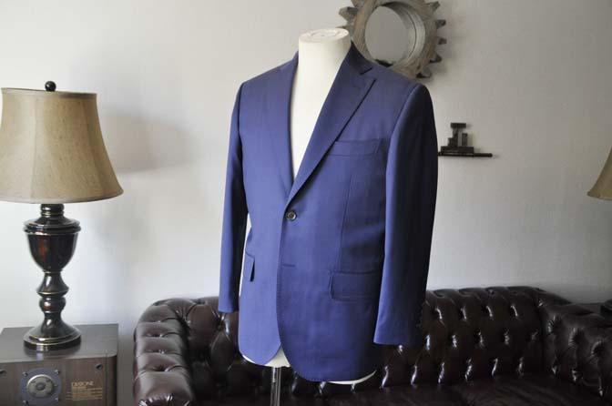 DSC0132-1 お客様のスーツの紹介- Biellesi 無地ネイビースーツ-