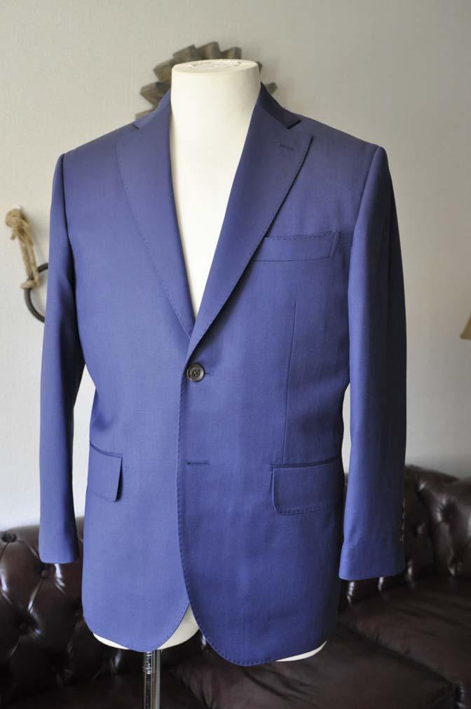 DSC0133-1 お客様のスーツの紹介- Biellesi 無地ネイビースーツ-