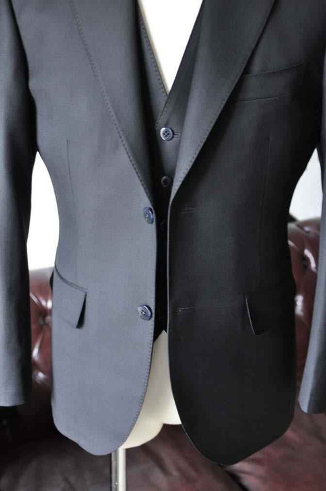 DSC0133-2 お客様のスーツの紹介-CANONICO無地ブラック スリーピース-