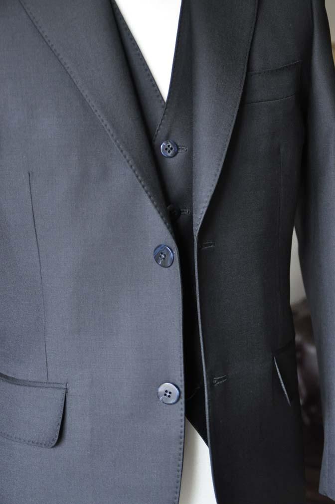 DSC0134-2 お客様のスーツの紹介-CANONICO無地ブラック スリーピース-
