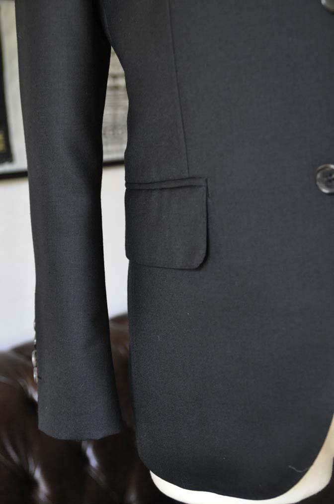 DSC01361 お客様のスーツの紹介- 無地ブラックスリーピーススーツ-