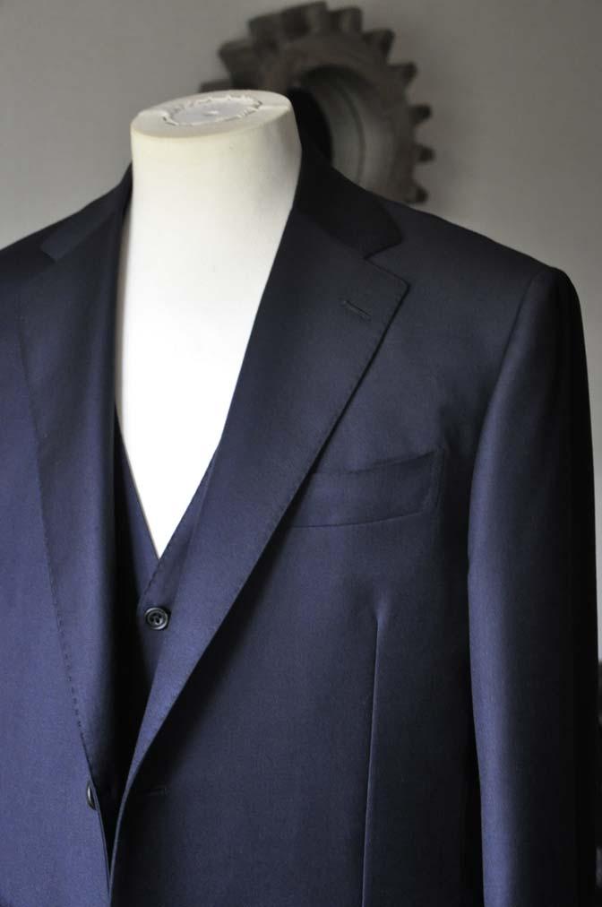 DSC0138-2 お客様のスーツの紹介- CANONICO 無地ネイビースリーピース- 名古屋の完全予約制オーダースーツ専門店DEFFERT
