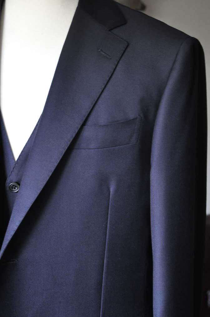 DSC0139-2 お客様のスーツの紹介- CANONICO 無地ネイビースリーピース- 名古屋の完全予約制オーダースーツ専門店DEFFERT