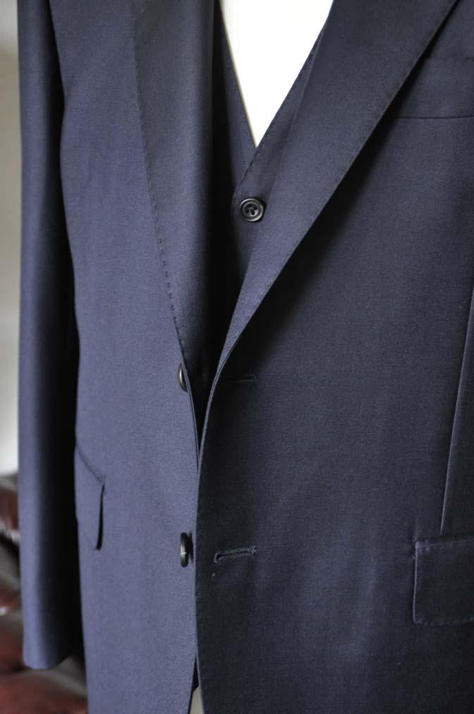 DSC0140-2 お客様のスーツの紹介- CANONICO 無地ネイビースリーピース- 名古屋の完全予約制オーダースーツ専門店DEFFERT