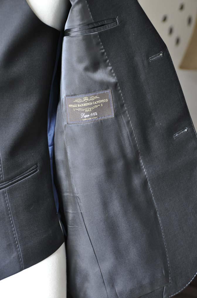 DSC0140-3 お客様のスーツの紹介-CANONICO無地ブラック スリーピース-