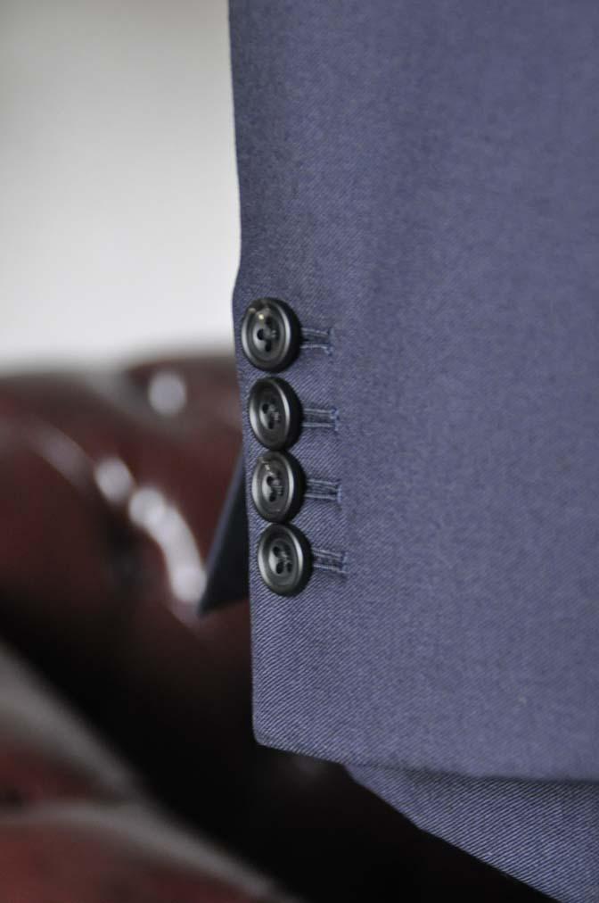 DSC0142-3 お客様のスーツの紹介- CANONICO 無地ネイビースリーピース-