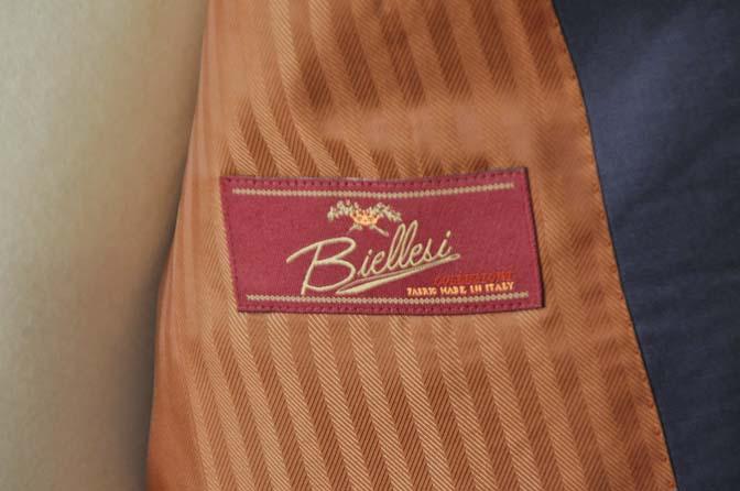 DSC0145-1 お客様のスーツの紹介- Biellesi 無地ネイビースーツ-