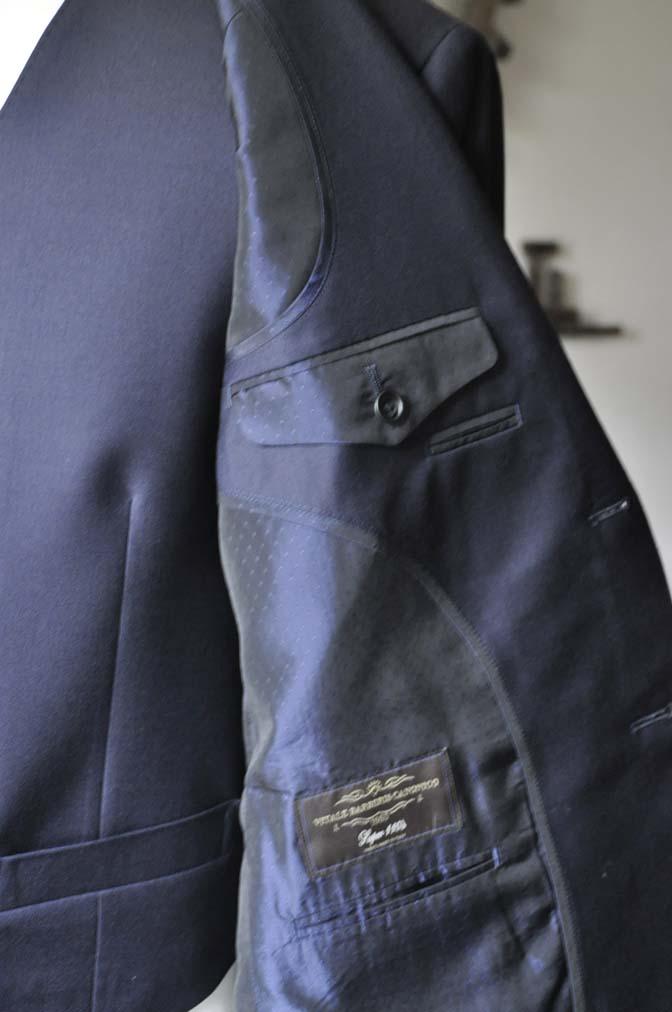 DSC0145-2 お客様のスーツの紹介- CANONICO 無地ネイビースリーピース- 名古屋の完全予約制オーダースーツ専門店DEFFERT
