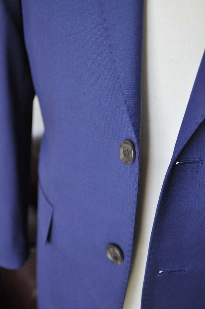 DSC0149-1 お客様のスーツの紹介- Biellesi 無地ネイビースーツ-