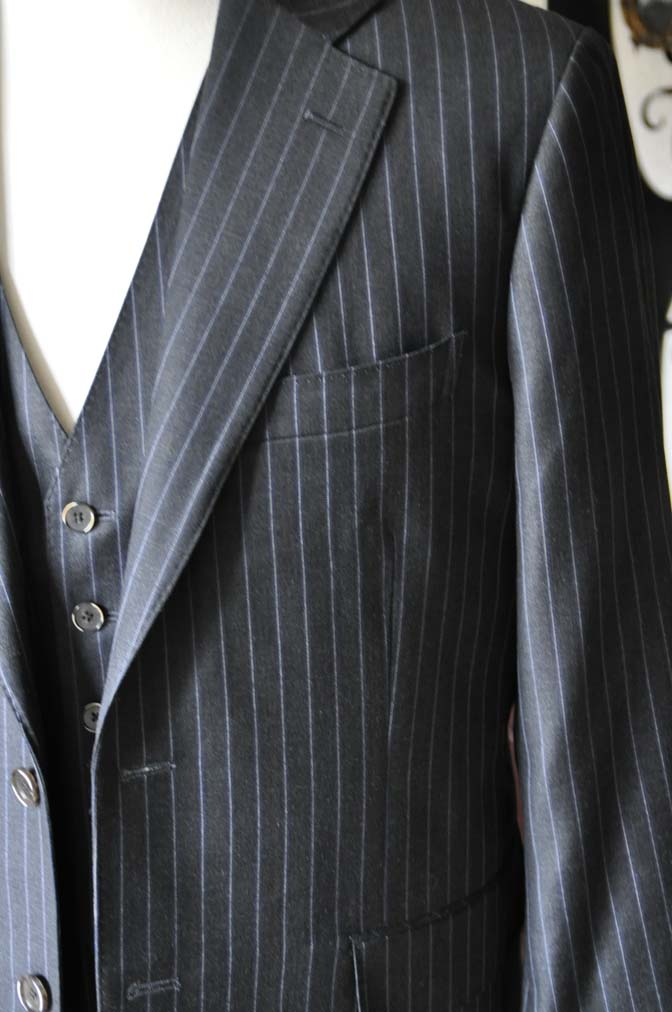 DSC0153-3 お客様のスーツの紹介-CANONICOグレーストライプ スリーピース-
