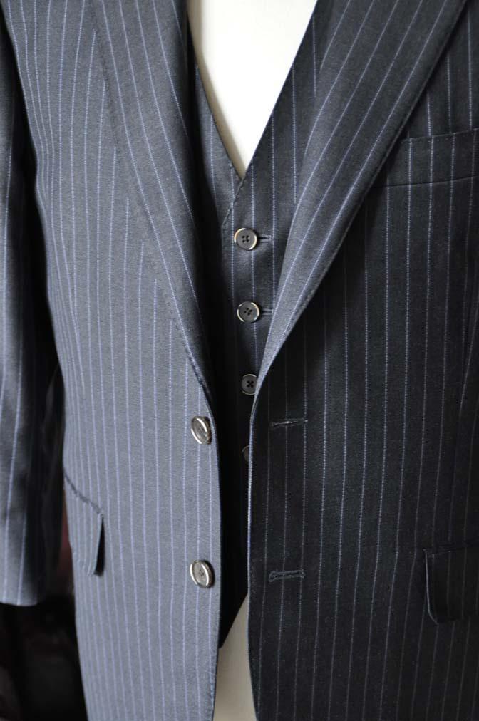 DSC0154-4 お客様のスーツの紹介-CANONICOグレーストライプ スリーピース-