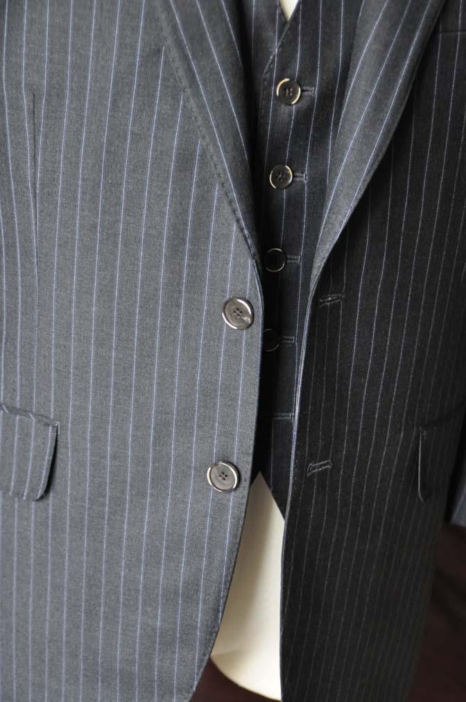 DSC0155-4 お客様のスーツの紹介-CANONICOグレーストライプ スリーピース-