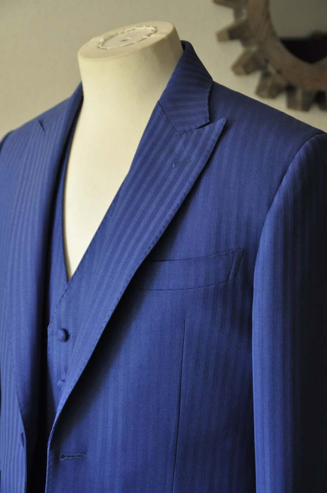 DSC0161-2 お客様のウエディング衣装の紹介- DARROW DALE ブルーヘリンボーンスリーピース-DSC0161-2 お客様のウエディング衣装の紹介- DARROW DALE ブルーヘリンボーンスリーピース- 名古屋市のオーダータキシードはSTAIRSへ