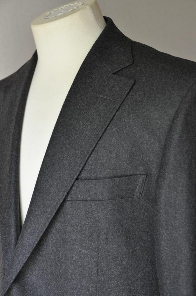 DSC0161 お客様のジャケットの紹介-DARROW DALE 無地グレーフランネル- 名古屋の完全予約制オーダースーツ専門店DEFFERT