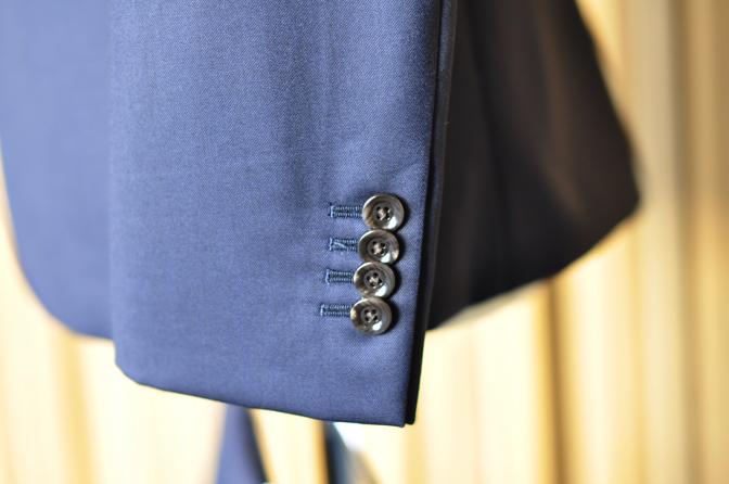 DSC0162-6 オーダースーツの紹介-REDA無地ネイビースーツ-