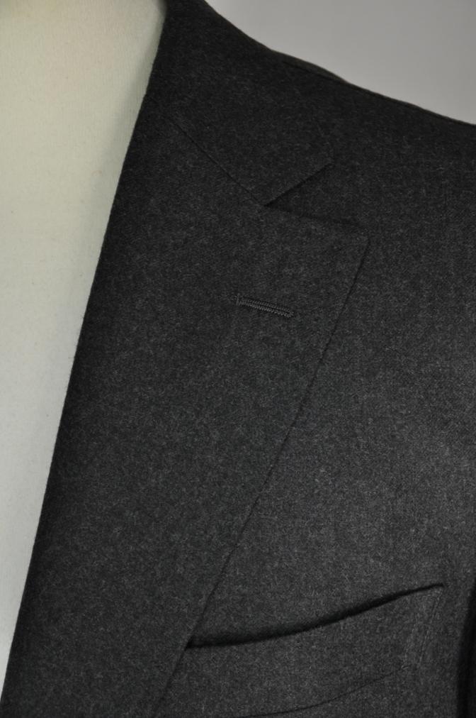 DSC0162 お客様のジャケットの紹介-DARROW DALE 無地グレーフランネル- 名古屋の完全予約制オーダースーツ専門店DEFFERT