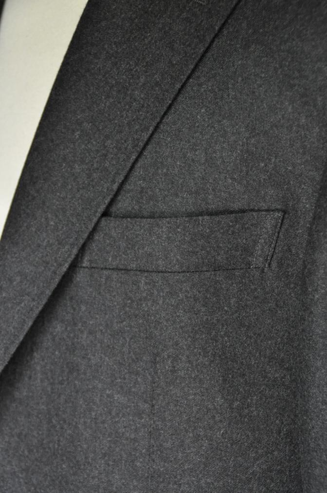 DSC0164 お客様のジャケットの紹介-DARROW DALE 無地グレーフランネル- 名古屋の完全予約制オーダースーツ専門店DEFFERT