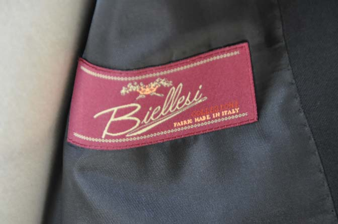DSC0165-1 お客様のスーツの紹介- Biellesi ブラックスーツ-