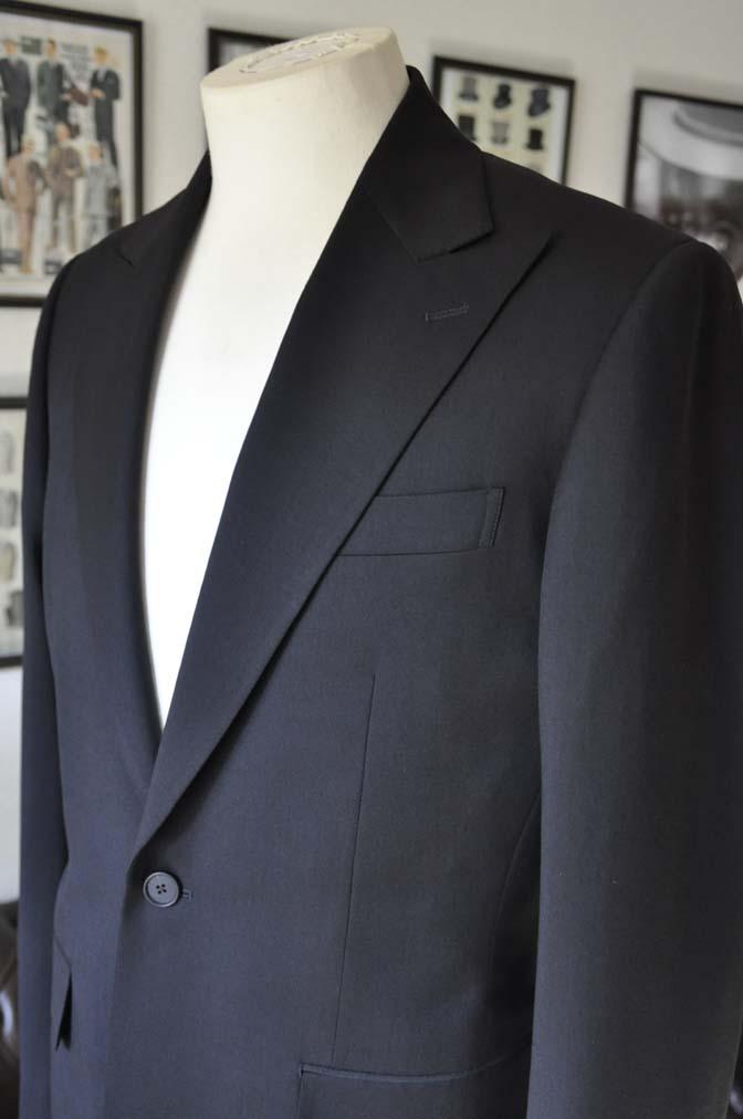 DSC0166-1 お客様のスーツの紹介- Biellesi ブラックスーツ-