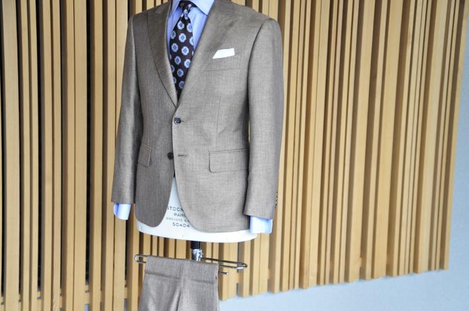 DSC0169-7 オーダースーツの紹介-E.THOMASブラウンシルクスーツ-