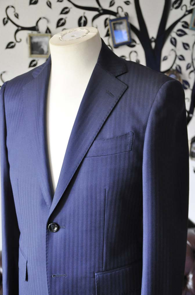 DSC0170-4 お客様のスーツの紹介-Biellesiネイビーヘリンボーンスーツ-