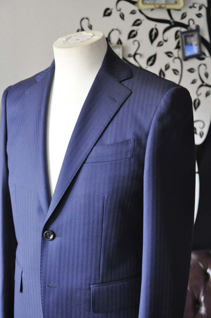 DSC0171-4 お客様のスーツの紹介-Biellesiネイビーヘリンボーンスーツ-